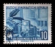Το γραμματόσημο που τυπώνεται στην ΟΔΓ παρουσιάζει έκθεση φθινοπώρου της Λειψίας Στοκ φωτογραφία με δικαίωμα ελεύθερης χρήσης