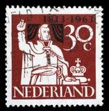 Το γραμματόσημο που τυπώνεται στις Κάτω Χώρες παρουσιάζει πρίγκηπα William που παίρνει τον όρκο της υποταγής στοκ φωτογραφία