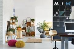 Το γραφείο με χαλαρώνει τη ζώνη Στοκ Εικόνες