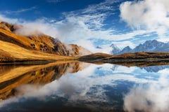 Το γραφικό τοπίο στα βουνά Ανώτερο Svaneti Στοκ φωτογραφία με δικαίωμα ελεύθερης χρήσης