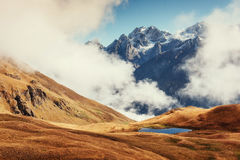 Το γραφικό τοπίο στα βουνά Ανώτερο Svaneti, Georg Στοκ φωτογραφίες με δικαίωμα ελεύθερης χρήσης