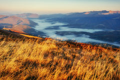 Το γραφικό τοπίο στα βουνά Γεωργία, Ευρώπη Cau Στοκ φωτογραφία με δικαίωμα ελεύθερης χρήσης