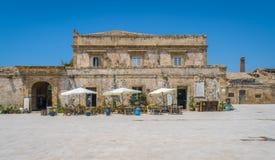 Το γραφικό χωριό Marzamemi, στην επαρχία των Συρακουσών, Σικελία στοκ εικόνα