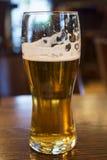 το γυαλί μπύρας απομόνωσε το λευκό Στοκ εικόνες με δικαίωμα ελεύθερης χρήσης