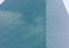 Το γυαλί προσόψεων του σύγχρονου κτηρίου Στοκ Εικόνες