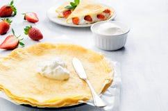 Το γλυκό προγευμάτων crepes Στοκ εικόνες με δικαίωμα ελεύθερης χρήσης