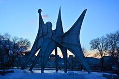 Το γλυπτό Λ ` Homme του Αλεξάνδρου Calder Στοκ Εικόνα