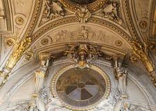 Το γλυπτό στο μουσείο LE louvre, Παρίσι, Γαλλία στοκ φωτογραφίες με δικαίωμα ελεύθερης χρήσης