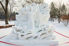 Το γλυπτό χιονιού - όνειρο πετάγματος Στοκ φωτογραφία με δικαίωμα ελεύθερης χρήσης