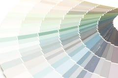 το δείγμα χρωματίζει το pantone καταλόγων στοκ εικόνες με δικαίωμα ελεύθερης χρήσης