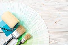 το δείγμα χρωματίζει swatches pantone ή χρώματος καταλόγων το βιβλίο στοκ εικόνα