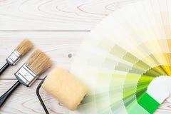 το δείγμα χρωματίζει swatches pantone ή χρώματος καταλόγων το βιβλίο στοκ εικόνα με δικαίωμα ελεύθερης χρήσης
