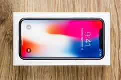 Το Δεκέμβριο του 2017 Νέο Iphone 10 στο κιβώτιο Στοκ Εικόνα