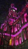 Το Δημαρχείο του Σίδνεϊ βρίσκεται στο ιστορικό κέντρο και μπορεί να καυχηθεί το ζωηρόχρωμο φωτισμό μετά από το ηλιοβασίλεμα στοκ εικόνα με δικαίωμα ελεύθερης χρήσης