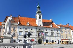 Το Δημαρχείο Maribor είναι το Δημαρχείο Maribor που τοποθετείται στο πόλης κύριο τετράγωνο, Σλοβενία στοκ φωτογραφίες