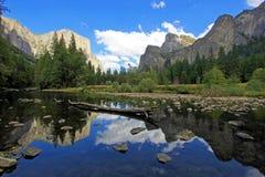 Το διάσημο βουνό EL Capitan, η μύτη στο εθνικό πάρκο Yosemite, Καλιφόρνια, ΗΠΑ στοκ εικόνες