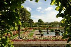 Το διάσημο Kensington καλλιεργεί, ένα τα βασιλικά πάρκα του Λονδίνου, Αγγλία στοκ φωτογραφία με δικαίωμα ελεύθερης χρήσης