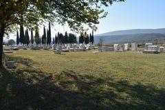 Το διάσημο stecci στη μεσαιωνική νεκρόπολη Radimlja στοκ εικόνα