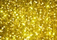 Το διαμάντι λάμπει σε ένα χρυσό υπόβαθρο απεικόνιση αποθεμάτων