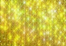 Το διαμάντι λάμπει σε ένα χρυσό υπόβαθρο στοκ εικόνες με δικαίωμα ελεύθερης χρήσης