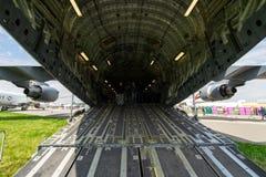 Το διαμέρισμα φορτίου του στρατηγικού και τακτικού airlifter Boeing γ-17 Globemaster ΙΙΙ Στοκ φωτογραφία με δικαίωμα ελεύθερης χρήσης