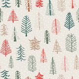 Το διανυσματικό άνευ ραφής σχέδιο χριστουγεννιάτικων δέντρων επαναλαμβάνει το κεραμίδι Πράσινα, καφετιά, κόκκινα δέντρα doodle κα διανυσματική απεικόνιση