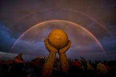 Το διπλές ουράνιο τόξο και η δύναμη Στοκ φωτογραφίες με δικαίωμα ελεύθερης χρήσης