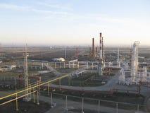 Το διυλιστήριο πετρελαίου Στοκ Εικόνα