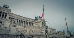 Το εθνικό μνημείο στο Victor Emmanuel ΙΙ στη Ρώμη στοκ φωτογραφία με δικαίωμα ελεύθερης χρήσης
