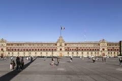 Το εθνικό παλάτι είναι η έδρα της μεξικάνικης κυβέρνησης στην Πόλη του Μεξικού στοκ εικόνες