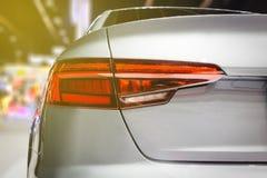 Το ελαφρύ αυτοκίνητο ουρών κινηματογραφήσεων σε πρώτο πλάνο πίσω κόκκινο στη έκθεση αυτοκινήτου Στοκ φωτογραφία με δικαίωμα ελεύθερης χρήσης