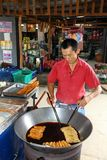 Το εμπορικό ταϊλανδικό εγγενές επιδόρπιο τηγανητών Στοκ Εικόνα