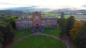 Το εναέριο πυροβοληθε'ν, πανέμορφο ιταλικό κάστρο Sammezzano, μεσαιωνική αρχιτεκτονική με τον κηφήνα, 4K φιλμ μικρού μήκους