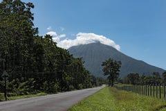 Το ενεργό ηφαίστειο Arenal στη Κόστα Ρίκα Στοκ Εικόνες