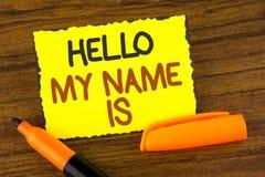 Το εννοιολογικό χέρι που γράφει παρουσιάζοντας γειά σου όνομά μου είναι Επιδεικνύοντας συνεδρίαση των επιχειρησιακών φωτογραφιών  Στοκ Φωτογραφίες