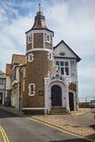 Το εξοχικό σπίτι Guildhall στην οδό γεφυρών Lyme REGIS Αγγλία στοκ φωτογραφία με δικαίωμα ελεύθερης χρήσης