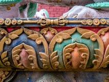Το εξωτερικό χρωμάτισε τον πέτρινο νεπαλικό ναό εργασίας Στοκ Εικόνες