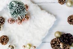 Το επίπεδο σκηνής Χριστουγέννων βάζει την υπερυψωμένη άποψη στοκ εικόνες με δικαίωμα ελεύθερης χρήσης