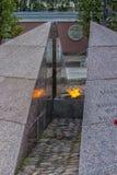 Το επαναστατικό μνημείο, η αιώνια φλόγα στο τετραγωνικό befo Στοκ φωτογραφία με δικαίωμα ελεύθερης χρήσης