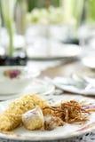 το επιτραπέζιο σύνολο διακοσμεί για το ρύζι στο νερό πάγου στοκ εικόνα