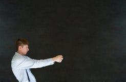 Άτομο που τραβά στο υπόβαθρο πινάκων Στοκ φωτογραφία με δικαίωμα ελεύθερης χρήσης