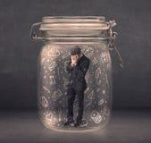 Το επιχειρησιακό άτομο συνέλαβε στο βάζο γυαλιού με συρμένα τα χέρι εικονίδια γ μέσων Στοκ φωτογραφίες με δικαίωμα ελεύθερης χρήσης