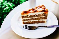 Το επιδόρπιο είναι κέικ καφέ Στοκ φωτογραφία με δικαίωμα ελεύθερης χρήσης