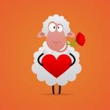Το ερωτευμένο πρόβατο που χαμογελά και κρατά την καρδιά Στοκ Εικόνες