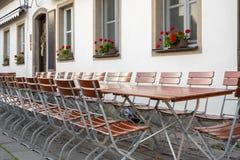 Το εστιατόριο είναι στην οδό Στοκ εικόνες με δικαίωμα ελεύθερης χρήσης