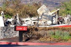 Το εστιατόριο Arby ` s έκαψε στο έδαφος κατά τη διάρκεια των πρόσφατων πυρκαγιών σε βόρεια Καλιφόρνια Στοκ Εικόνες