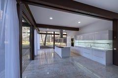 Το εσωτερικό της κουζίνας στοκ φωτογραφία