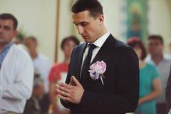 Το ευγενές όμορφο μοντέρνο ζεύγος είναι παντρεμένο στην Όλγα και το Eli Στοκ φωτογραφία με δικαίωμα ελεύθερης χρήσης