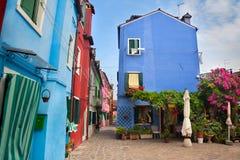 το ευρωπαϊκό μπροστινό σπίτι στεγάζει την παλαιά όψη της Ιταλίας Στοκ Φωτογραφία