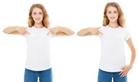 Το ευτυχές κορίτσι δείχνει το χέρι στην άσπρη μπλούζα, μπλούζα γυναικών, σύνολο μπλουζών στοκ φωτογραφίες